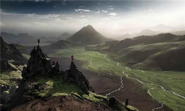 13. Tuyến đường Fjallabaksleid chạy men theo những dãy núi ở Iceland tạo nên một cuộc hành trình với khung cảnh đẹp như tranh vẽ.