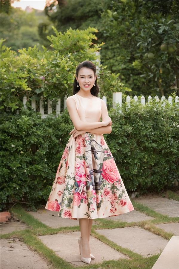 Phùng Bảo Ngọc Vân dù chỉ dừng chân ở top 10 chung cuộc nhưng vẫn đắt show tham dự sự kiện sau Hoa hậu Việt Nam 2016.