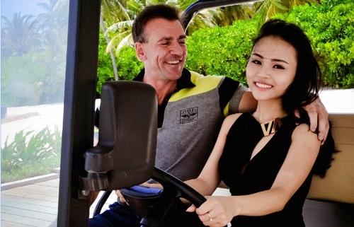Andrew đã mất khá nhiều thời gian để chinh phục cô gái Việt.
