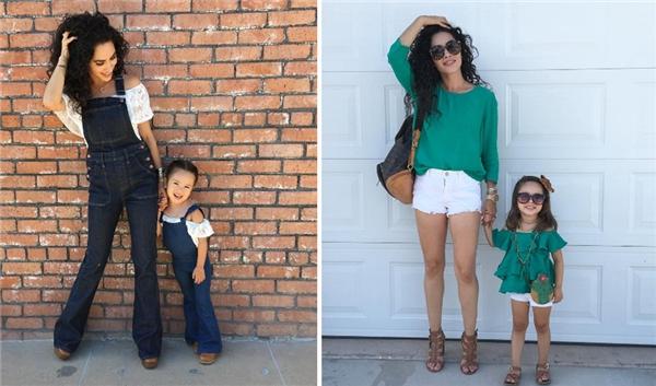 Chỉ mới 3 tuổi nhưng cô bé được mẹ đầu tư cho những bộ cánh đắt đỏ vàthường xuất hiện chung với mẹ trong các shoot ảnh thời trang cực sành điệu.