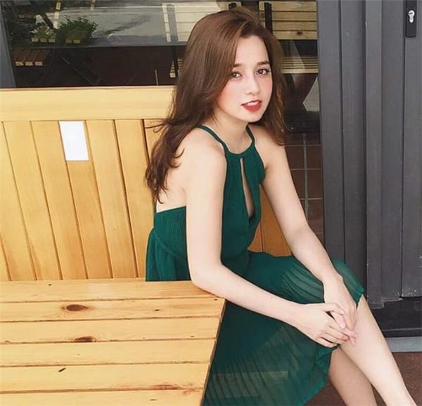 Không chỉ đẹp, Thủy Nguyễn còn rất biết cách ăn vận khiến cô trở nên sang trọng