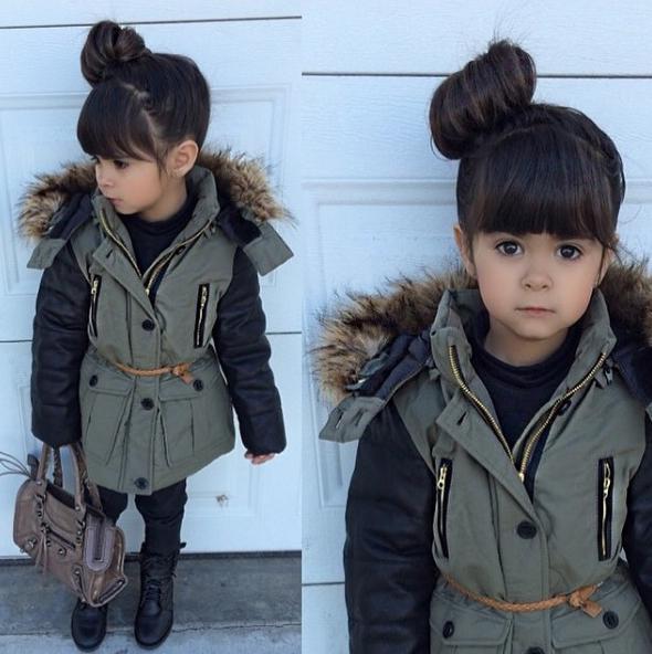 Mẫu nhíGenesis4 tuổi xinh như búp bê nổi tiếng trên Instagram vớigu thời trang năng động cực kìđáng yêu.