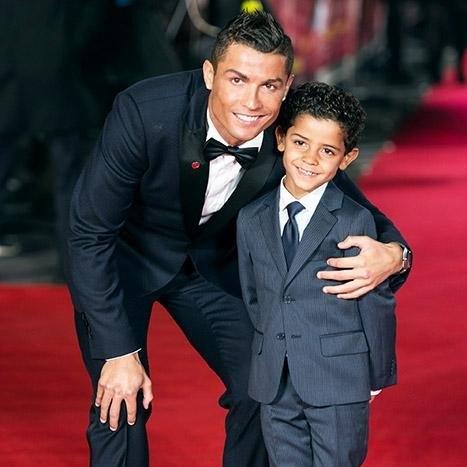 Ronaldo được xem làông bố điển hình trong giới cầu thủ.