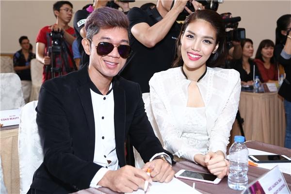 Tham dự buổi họp báo còn có nam ca sĩ Lương Bằng Quang.