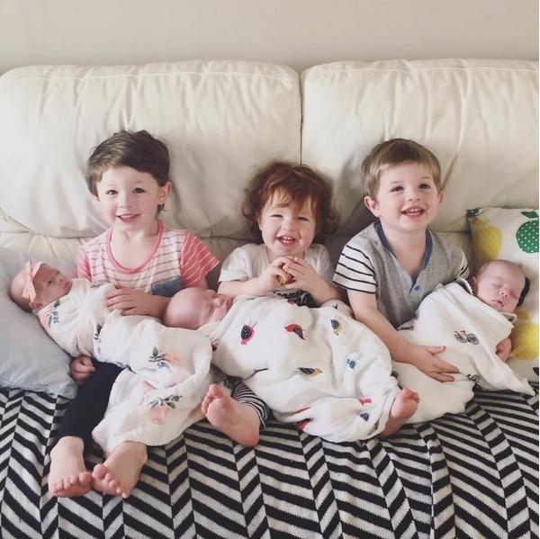 6 thiên thần nhỏ bé của cặp vợ chồng người Úc.