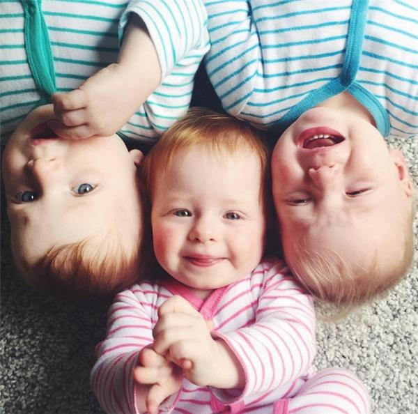 3 anh em sinh ba giờ đã lớn thế này.