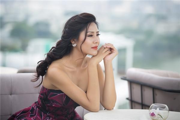 Nguyễn Thị Loan rạng rỡ tại buổi họp báo ngày 4/10.
