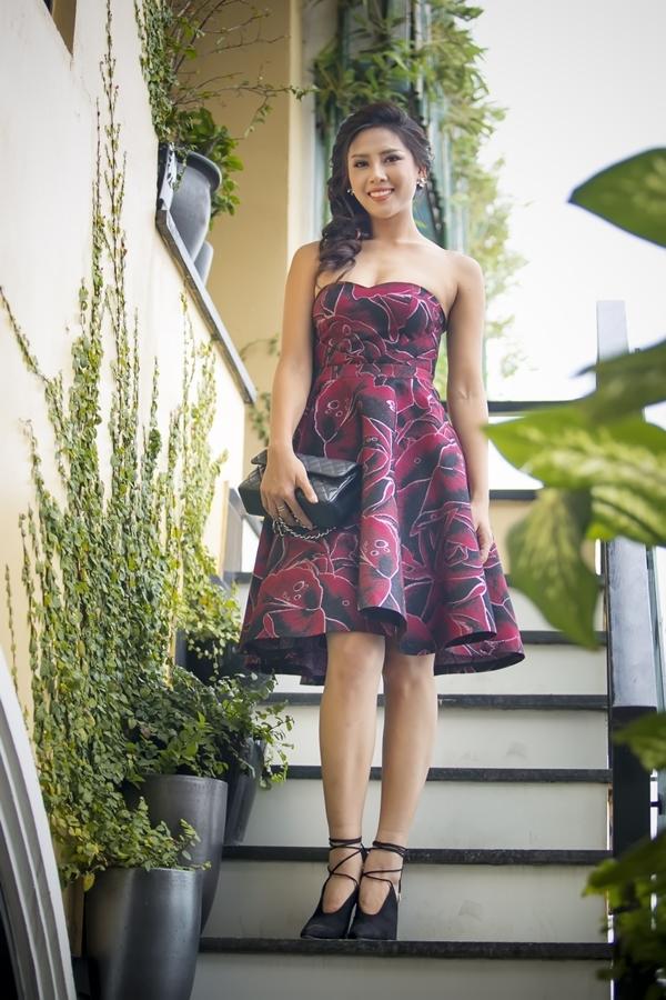 6 năm sau khi đạt giải phụHoa hậu Biển tại Hoa hậu Việt Nam 2010, Nguyễn Thị Loan ngày càng xinh đẹp, mặn mà và cuốn hút.