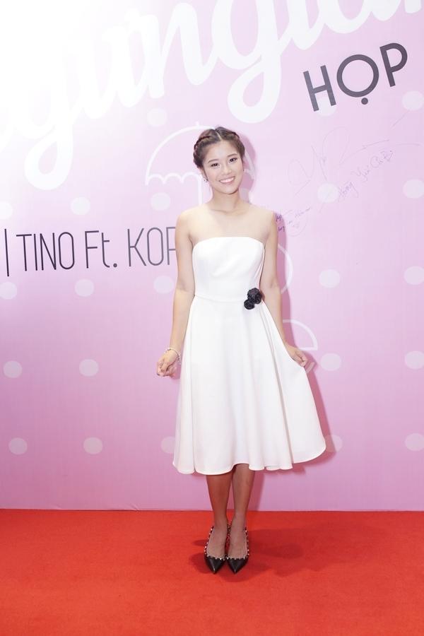 Hoàng Yến Chibi xinh đẹpnhư công chúa trên thảm đỏ.