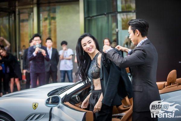 Bạn diễn của T.O.P trong Out of Control chính là nữ diễn viên xinh đẹp Trương Bá Chi.