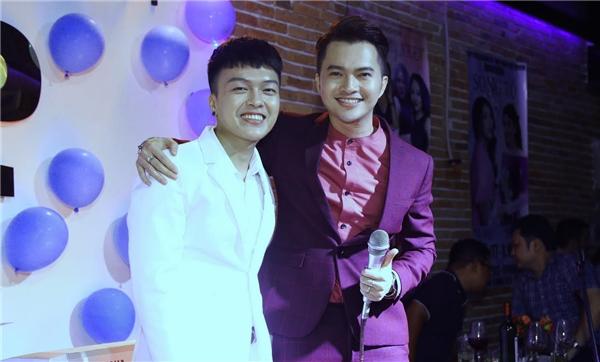 Khách mời cuối cùng trong đêm nhạc là nam ca sĩ Nam Cường. Giọng ca Bay Giữa Ngân Hàkhiến khản giả bất ngờ và thích thú khi thể hiện những nhạc phẩm bolero.