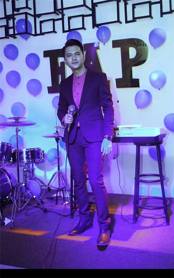 Chia sẻ về album bolero mới phát hành, Nam Cường cũng cho biết Khánh Hoàng là một người em dễ thương dù không quen thân nhưng vẫn luôn theo dõi những sản phẩm âm nhạc của anh, đó cũng là một trong những lí do khiến anh nhận lời tham gia chương trình. Khánh Hoàng và Nam Cường cùng song ca sáng tác nổi tiếng của nhạc sĩTrúc Phương - Mưa Nửa Đêm.Nối tiếp chương trình,Nam Cường tiếp tục gửi tặng đến khán giả những ca khúc trong album bolero mới nhất của mình.