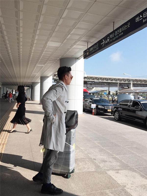 Isaac có mặt tại sân bay Hàn Quốc vào chiều nay 6/10.