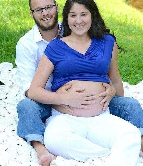 Hai vợ chồng Shelly vô cùng háo hức chào đón đứa con đầu lòng