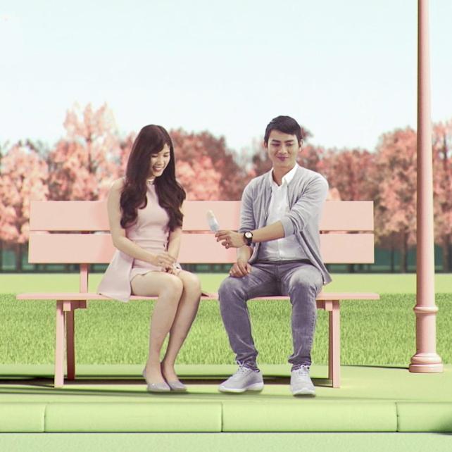 Trong MV trở lại lần này, Hoài Lâm sẽ xuất hiện với sáukhung cảnh khác nhau, mỗi khung cảnh mang một màu sắc vô cùng ngọt ngào và trẻ trung.