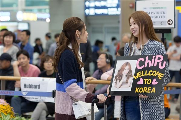 Đích thân Á hậu Hàn Quốc 2014 Lee Sarah ra sân bay đón Chi Pu. - Tin sao Viet - Tin tuc sao Viet - Scandal sao Viet - Tin tuc cua Sao - Tin cua Sao