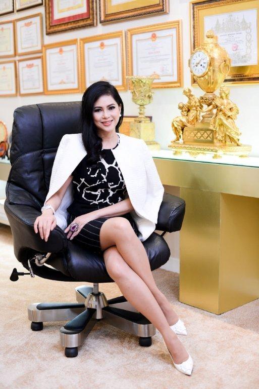 Cácđóng góp của bà được Forbes ghi nhận khi bình chọn là một trong những doanh nhân nữ đáng chú ý nhấtthế hệ doanh nhân trẻ Việt Nam.