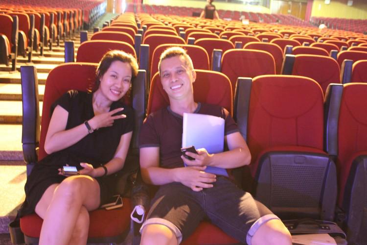 Ca sĩ Nam Khánh cùng bạn diễn Thanh Nguyên.