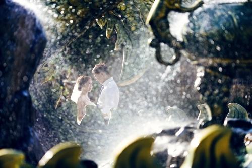 Lần đầu gặp nhau khi cả hai đang hạnh phúc với tình yêu của mình. Lần gặp thứ 2 sau ba năm, cả hai đang độc thân.