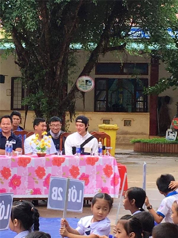 Sao nhí Trăng Trời Yeo Jin Goo xuất hiện tại trường học Quảng Trị