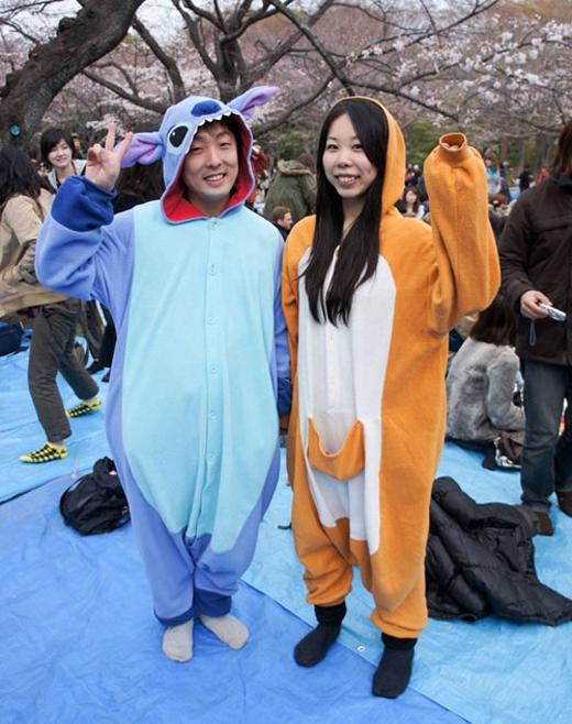 Ngoài việc mặc Kigurumi như một bộ đồ ngủ thì nhiều bạn trẻ Nhật còn táo bạo diện trang phục này khi ra đường, đặc biệt là trong các lễ hội cosplay.