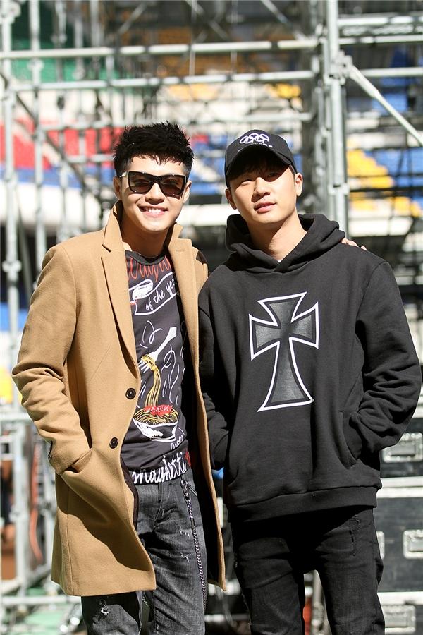 Là một trong những rapper hàng đầu Hàn Quốc hiện nay, BASICK xuất hiện giản dị và điển trai. - Tin sao Viet - Tin tuc sao Viet - Scandal sao Viet - Tin tuc cua Sao - Tin cua Sao