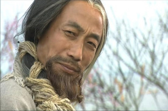 Một trong hai môn võ nổi tiếng của Hồng Thất Công - Bang chủ đời thứ 18 của Cái Bang chính là Đả Cẩu Bổng Pháp.