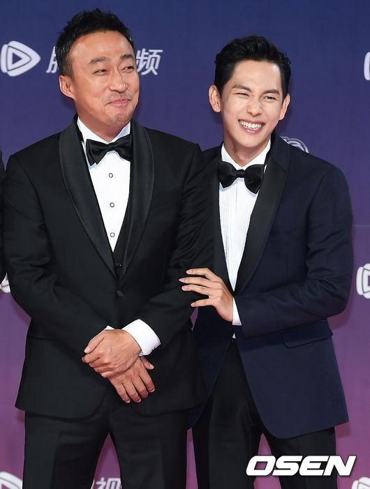"""Chắc hẳn khán giả không thể quên được bộ ba ấn tượng Kim Sung Min, Siwan (Ze:A) và Kim Dae Myung từng """"gây sốt"""" với Misaeng - phim truyền hình đề tài công sở thành công nhất lịch sử màn ảnh Hàn"""
