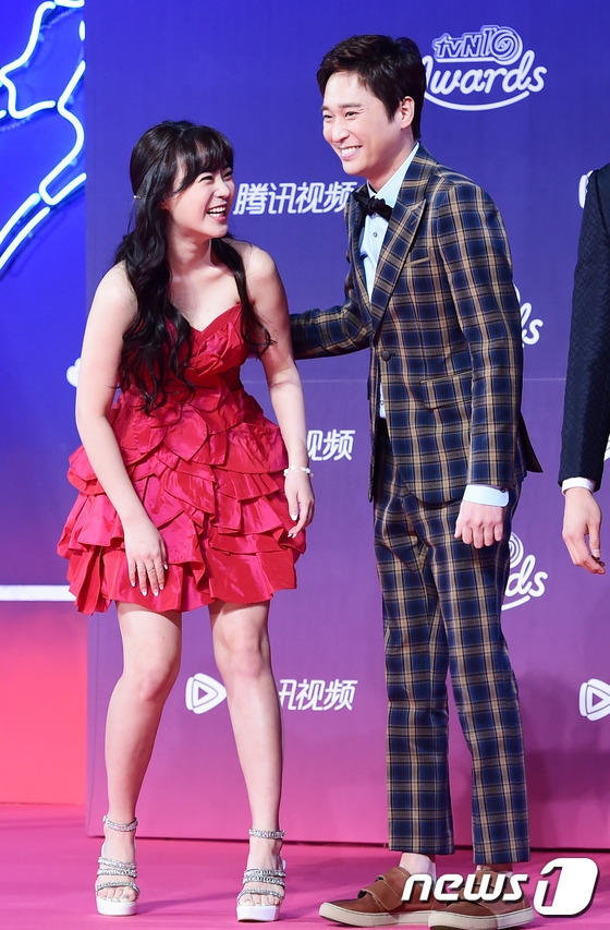 Dàn sao Reply 1988 lỗng lẫy hội ngộ tại giải thưởng lớn của đài tvN