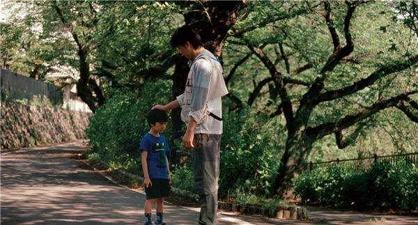 Hành trình tìm lại chính mình đầy nước mắt của Ryota. (Ảnh: Internet)