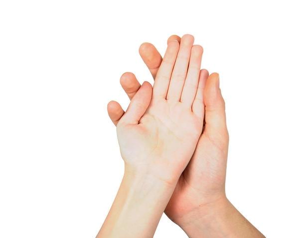Người có bàn tay nhỏ ưa mạo hiểm, ít bận tâm đến những rủi ro.