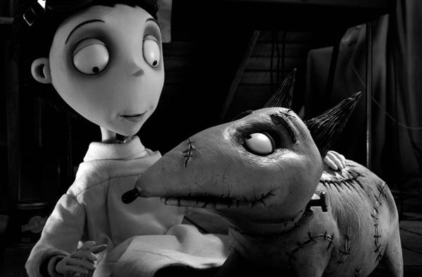 Chó Sparky trong Frankenweenie (2012): Ngay cả khi làm phim hoạt hình, Tim Burton vẫn mang đến cho khán giả chút ma mị trên không khí chủ đạo dễ thương. Khán giả cảm nhận thấy rõ điều đó ở Sparky - chú chó cưng của Victor không may qua đời nhưng rồi được cậu chủ hồi sinh từ cõi chết nhờ dòng điện.Trở lại dương thế, Sparky sống trong bí mật nhưng đến một ngày thoát ra ngoài và gây ra vô số điều phiền toái cho thị trấn. Ảnh: Disney