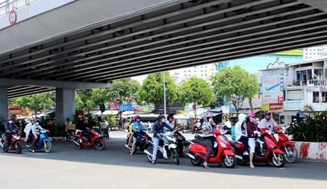 Dừng đúng vạch, đúng làn đường là thể hiện văn hóa giao thông. (Ảnh: internet)