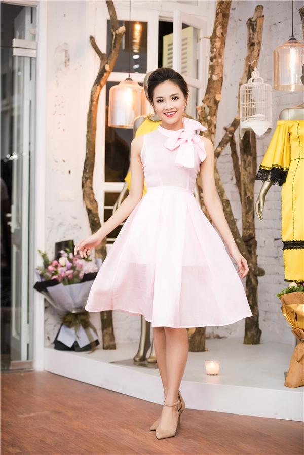 Người đẹp Khả ái Hoa hậu Việt Nam 2016 Trần Tố Như luôn dễ dàng cuốn hút người đối diện với gương mặt thanh tú, ngọt ngào.