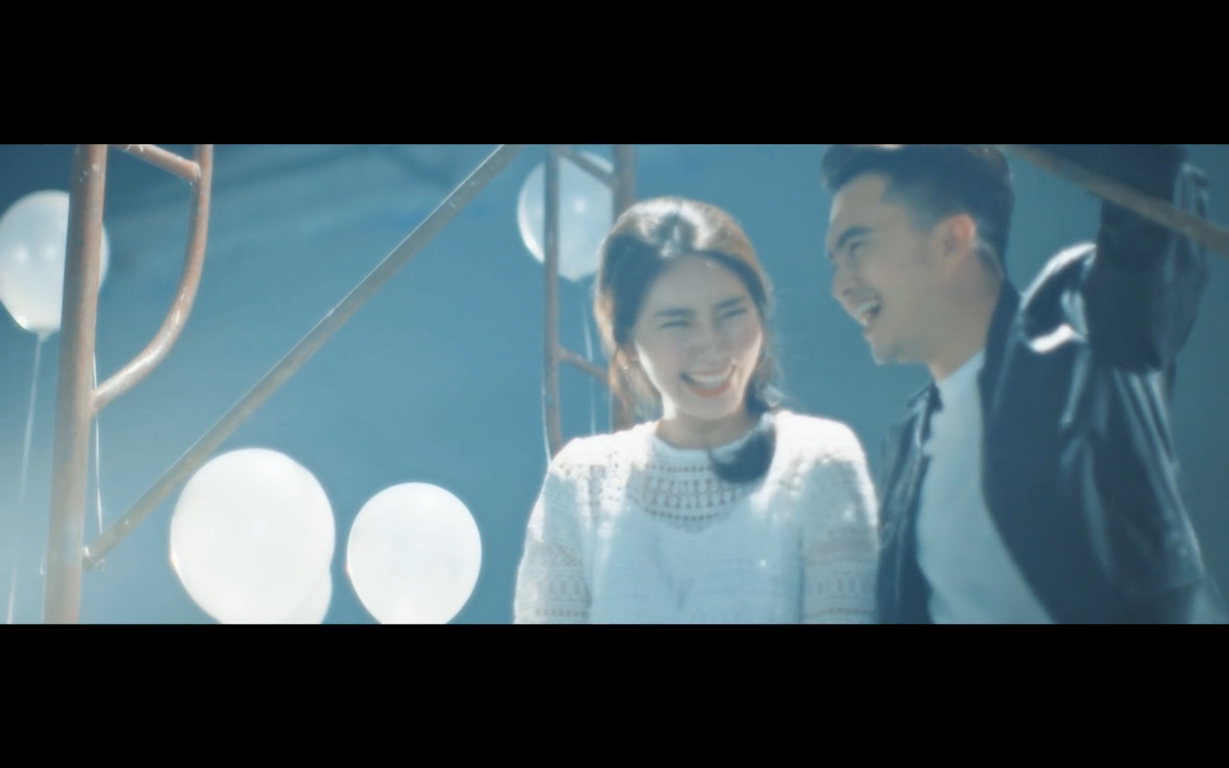 Trong MV lần này giọng ca Bay giữa ngân hàđã kết hợp cùng bạn Ha Ni - cô bạn người Hàn. - Tin sao Viet - Tin tuc sao Viet - Scandal sao Viet - Tin tuc cua Sao - Tin cua Sao