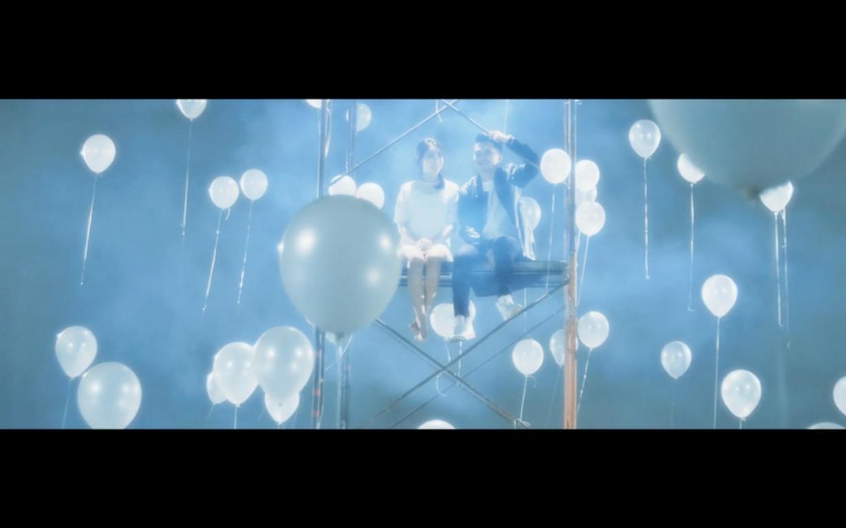 Với sự đầu tư nghiêm túc cùng giọng hát giàu cảm xúc, MV hứa hẹn là một cơn sốt mới trên các bảng xếp hạng âm nhạc. - Tin sao Viet - Tin tuc sao Viet - Scandal sao Viet - Tin tuc cua Sao - Tin cua Sao
