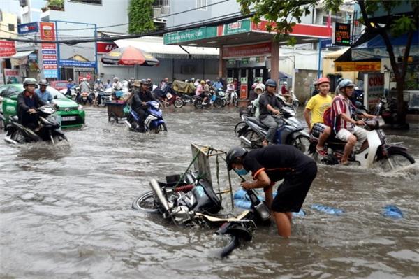 Dự báo trong thời gian tới Sài Gòn chịu ảnh hưởng của đợt ngập nặng. (Ảnh: Thongtin247, Tiepthigiadinh)