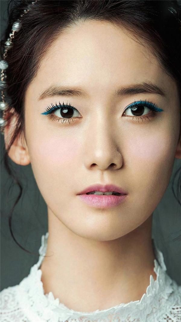Những thần tượng sở hữu khuôn mặt tỷ lệ vàng của K-pop