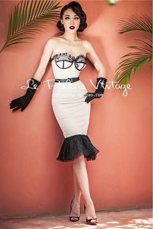 Áo corset không còn rườm rà và cứng ngắt như trước kia nữa mà trở nên nhẹ nhàng hơn.
