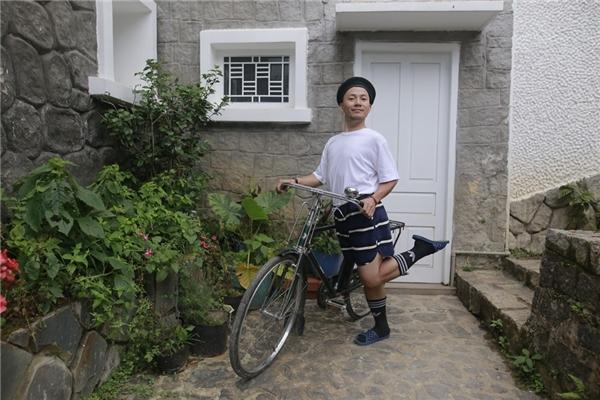 Sau khi cho ra mắt MV Giáo dục công dân cách đây không lâu, rapper Đinh Tiến Đạt tiếp tục giới thiệu đến khán giả music video của ca khúc mới mang tên Lương Tâm. - Tin sao Viet - Tin tuc sao Viet - Scandal sao Viet - Tin tuc cua Sao - Tin cua Sao
