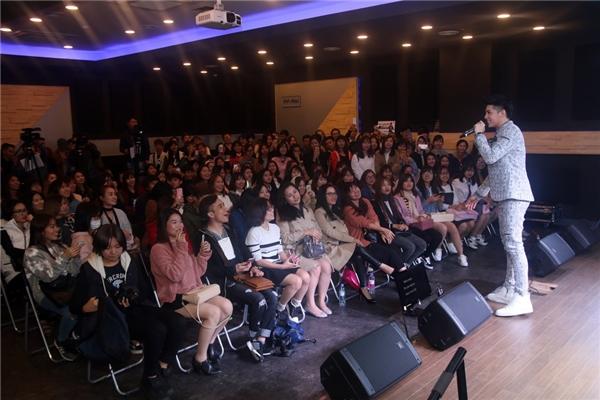 Song song đó, Noo Phước Thịnh cũng tiết lộ về quá trình chuẩn bị và những kỉ niệm khó quên trong quá trình tham gia Asia Song Festival. - Tin sao Viet - Tin tuc sao Viet - Scandal sao Viet - Tin tuc cua Sao - Tin cua Sao