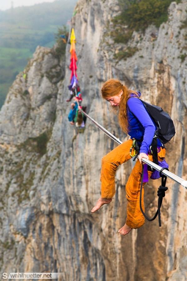 Lòng can đảm của con người được thách thức bởi độ cao.(Ảnh: Internet)
