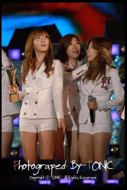 Fan ấm lòng với hành động các thành viên SNSD dành cho Sunny