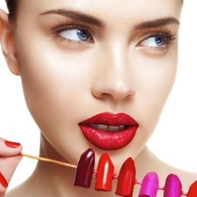 Người tiêu dùng nên thận trọng để bảo vệ mình khỏi bị phơi nhiễm kim loại nặng từ các sản phẩm son môi.
