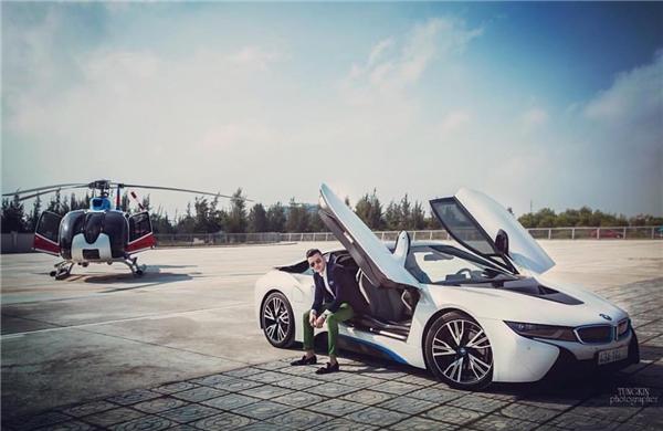 Không chỉ siêu xe mà còn có cả trực thăng nữa nhé.(Ảnh: Instagram @richkidsofvietnam_)