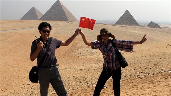 """Ai Cập là một trong những địa điểm hấp dẫn thu hútkhách du lịch Trung Quốc đến tham quan, và để """"trả công"""" cho các hướng dẫn viên người Trung Quốc thường """"tip"""" cao con hổ."""