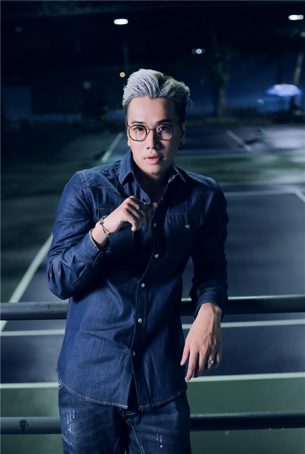 Mặc lùm xùm, ca khúc mới của thầy trò Lou Hoàng vẫn đạt view khủng