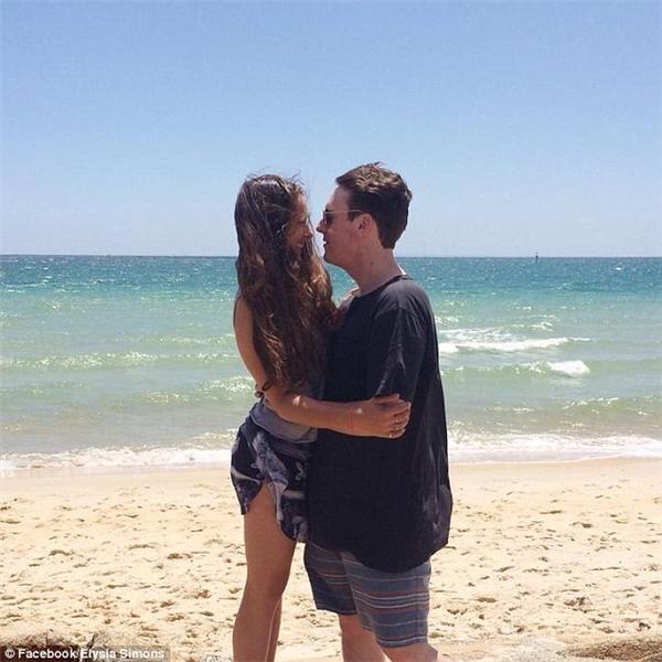 Không lâu sau khi bắt đầu hẹn hò, Elysa và Paul nhận ra những trải nghiệm của họ thật sự rất đặc biệt.(Ảnh: Daily Mail)