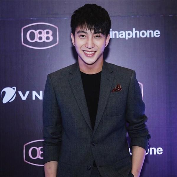 Chàng hot boy Hà thànhB-Trầnđang có hơn 826.000 người theo dõi trên trang cá nhân.(Ảnh: Internet)