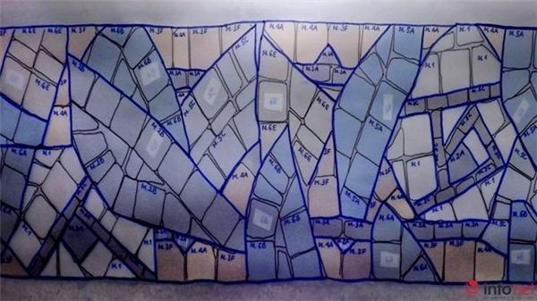 Một bản vẽ với những ký hiệu về vị trí, màu sắc các viên gạch.